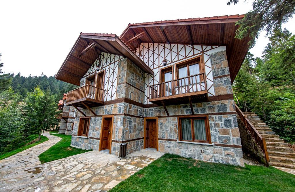 Foleya Mountain Resort Hotel & Villas