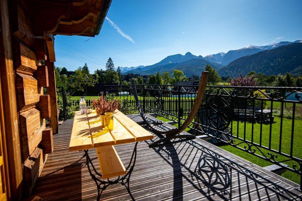 Balkon lub taras w obiekcie Villa z widokiem na Giewont