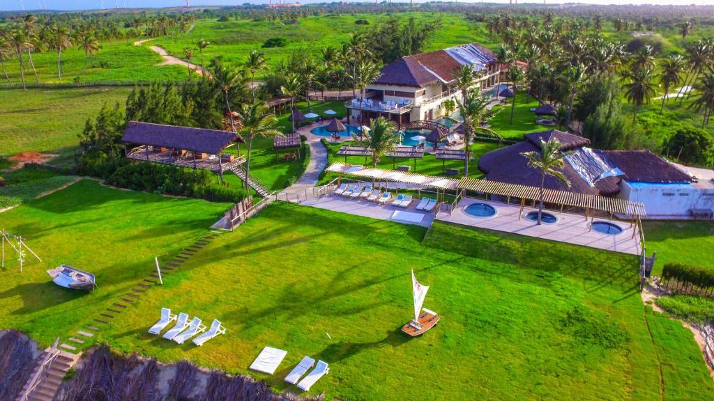 A bird's-eye view of Hotel Casa do Mar
