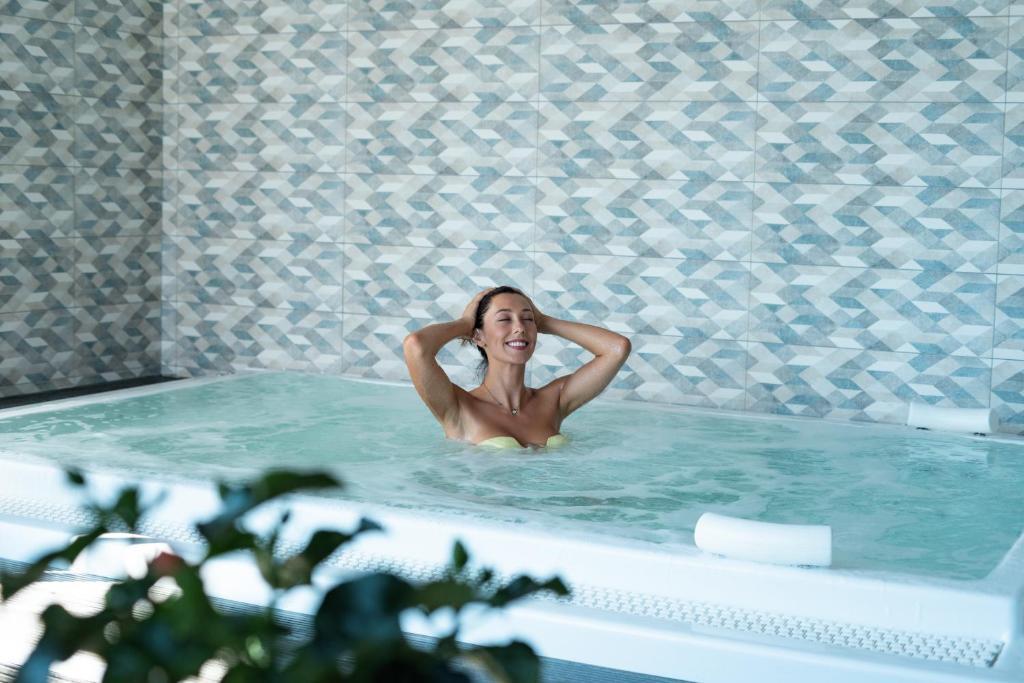 Hotel Le Phoebus Garden & Spa Gruissan, France
