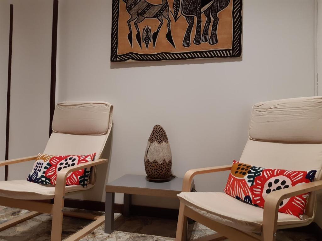 A seating area at Appartamento Soleluna