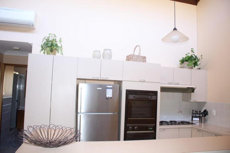 A kitchen or kitchenette at Coastal Retreat Unit 3