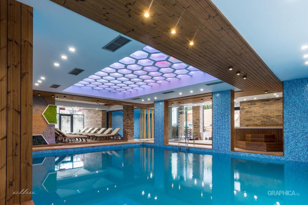 The swimming pool at or near 103 Degrees Hotel & Spa