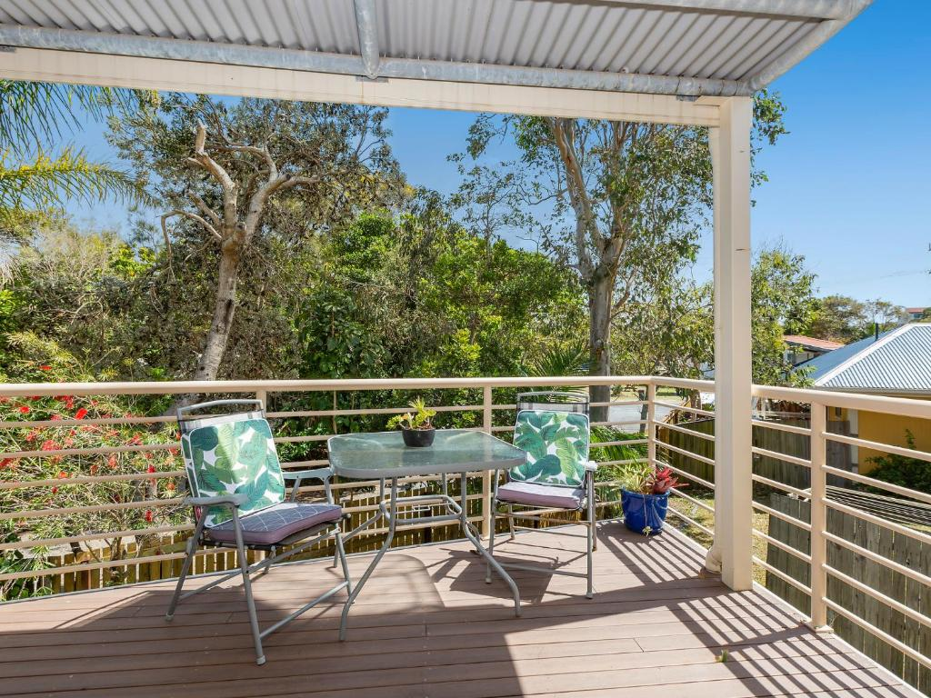 A balcony or terrace at Hastings Cove Apartments - Tweed Coast Holidays ®