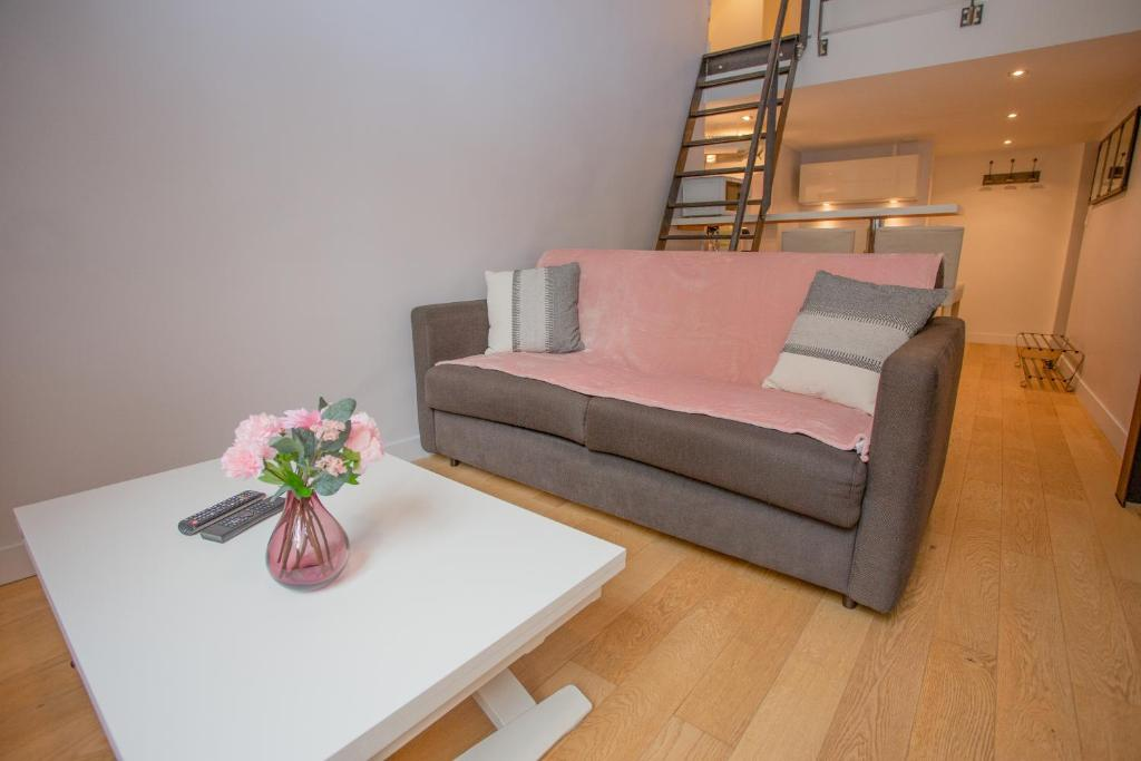 A seating area at Le Duplex
