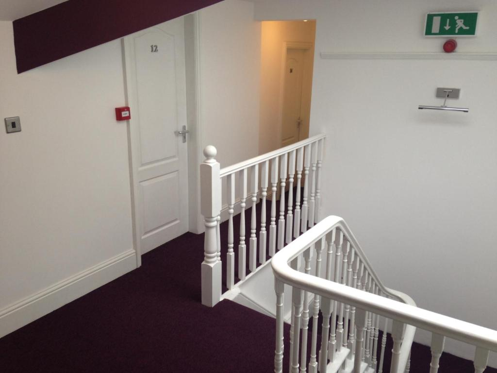 Hill View Hotel - Laterooms