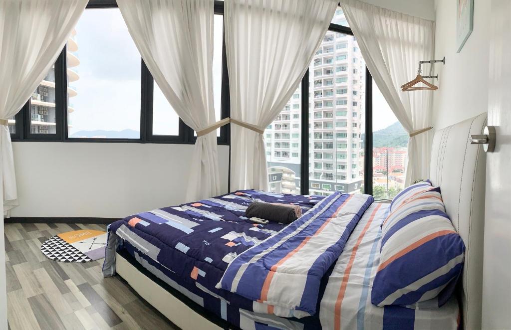 A bed or beds in a room at ツ SUPERB n COZY, ArteS 2BR @ USM, Bayan Lepas, Penang ツ