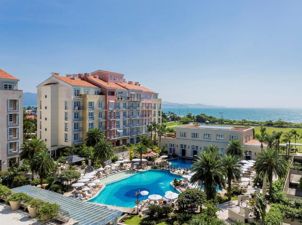 A view of the pool at IL Campanário Villaggio Resort Suites - Jurerê Internacional or nearby