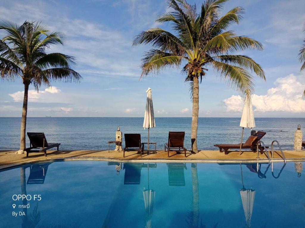 The swimming pool at or near Lanta Palace Resort & Beach Club
