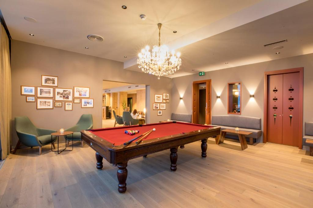 A billiards table at Belvedere Swiss Quality Hotel