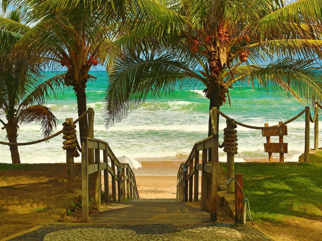 Uma praia perto da pousada campestre