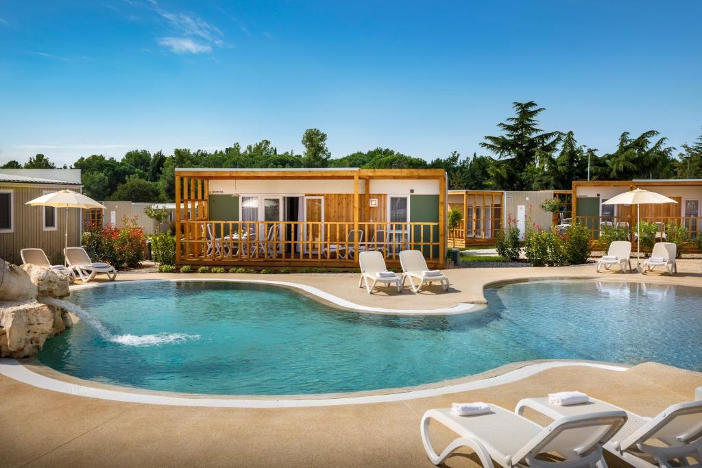 The swimming pool at or near Mobile Homes Polari