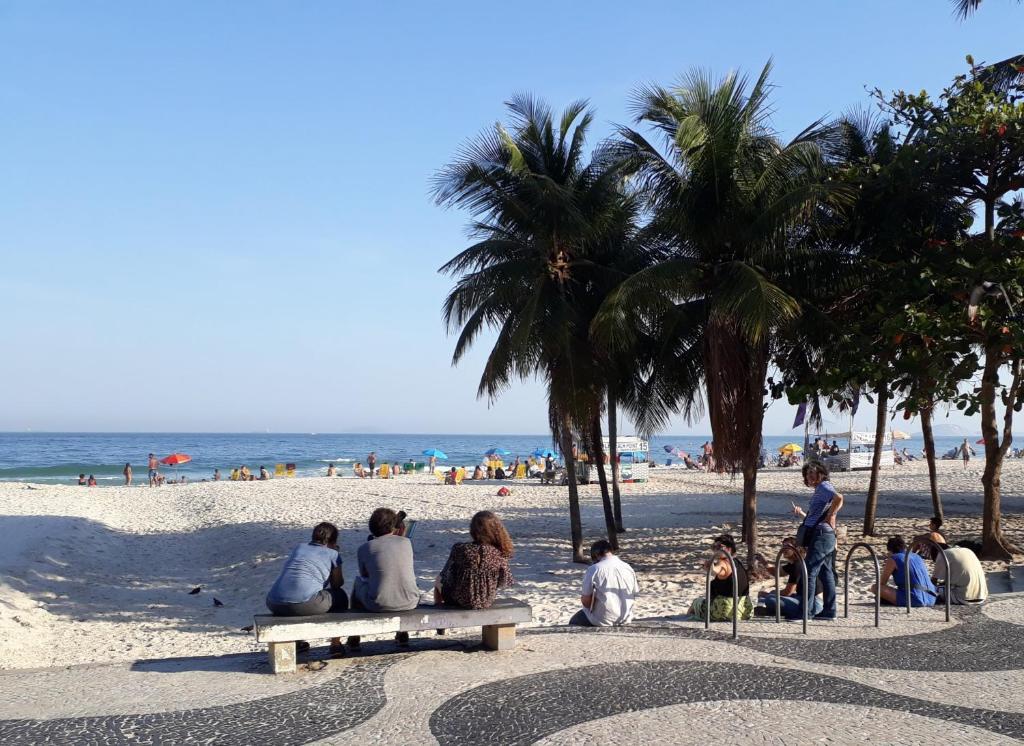 Uma praia perto