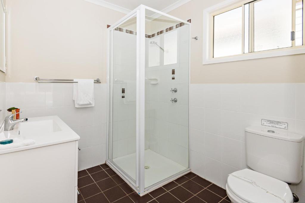 A bathroom at Holiday Haven Kangaroo Valley