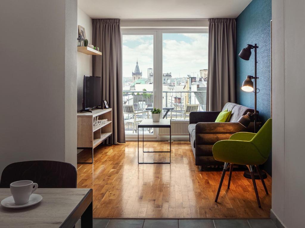Гостиная зона в EA Hotel Apartments Wenceslas Square