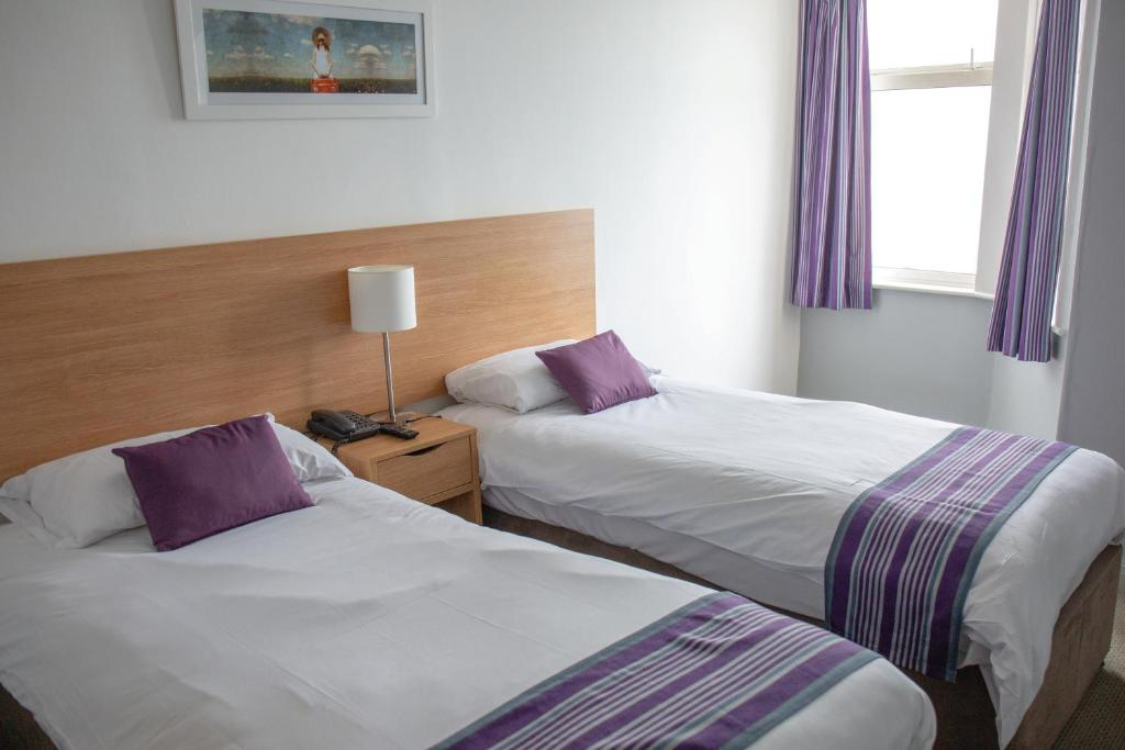The Strathmore Hotel - Laterooms