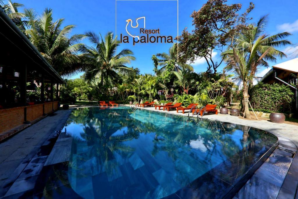 The swimming pool at or near La Paloma Resort