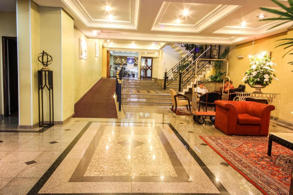 The lobby or reception area at Trevi Hotel e Business