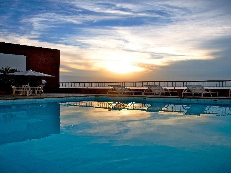 The swimming pool at or close to Sol Privativo Victoria Marina Lofts