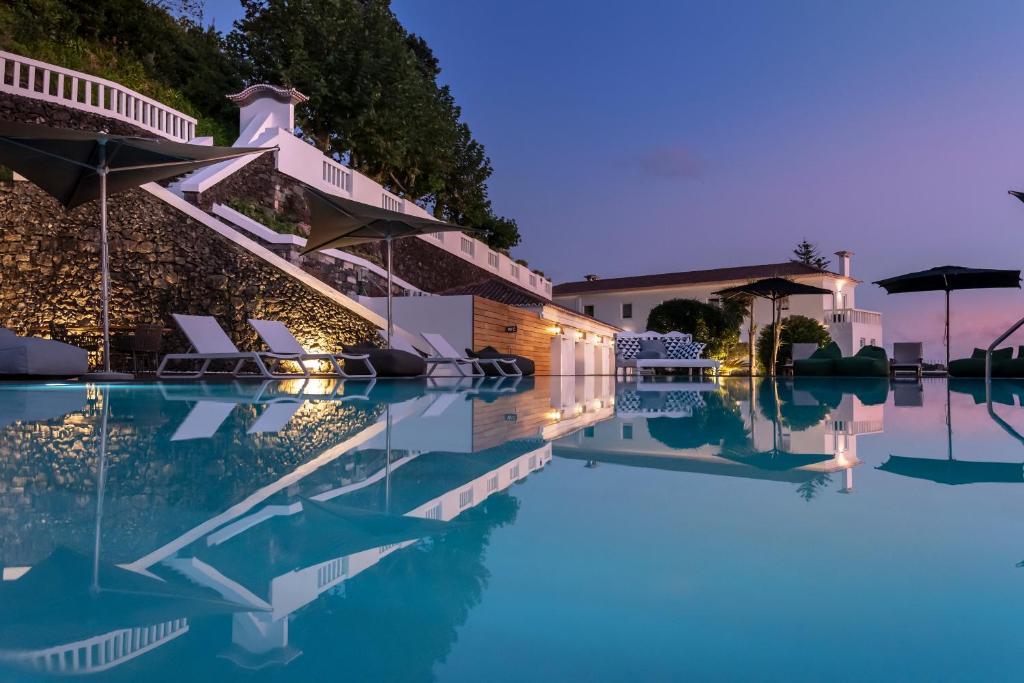 A piscina em ou perto de Quinta da Abelheira