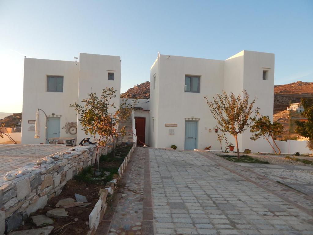 Armonia Studios, Apartments & Villa
