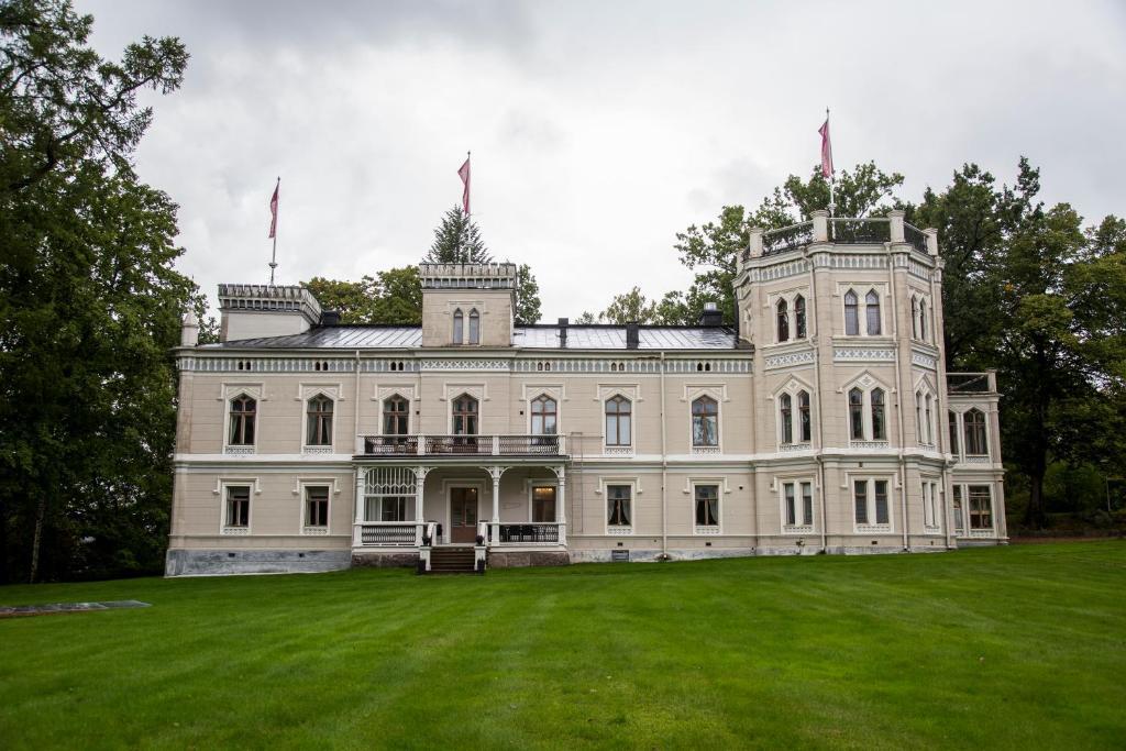 Kartanohotelli Karhulan Hovi Kotka, Finland