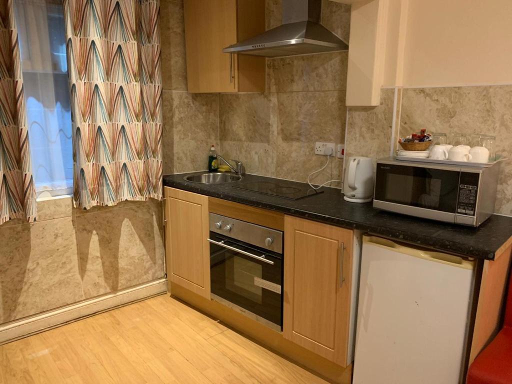 Twickenham Guest House - Laterooms