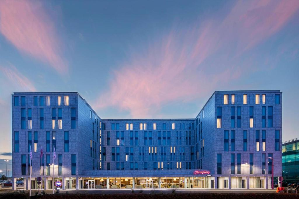 Hampton by Hilton London Stansted Airport - Laterooms