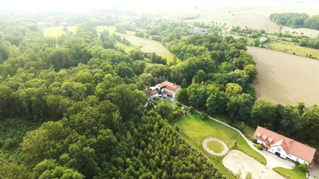 Widok z lotu ptaka na obiekt Ślężański Młyn