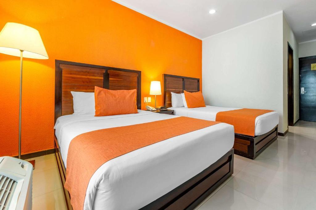 A room at the Comfort Inn Cancun Aeropuerto.