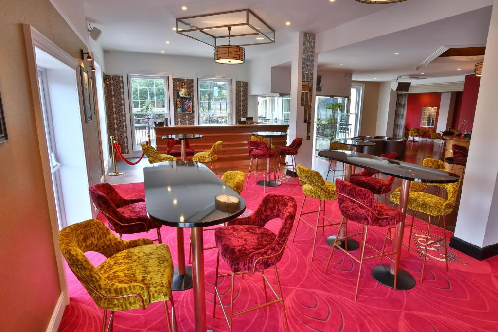 Royal Exeter Hotel - Laterooms
