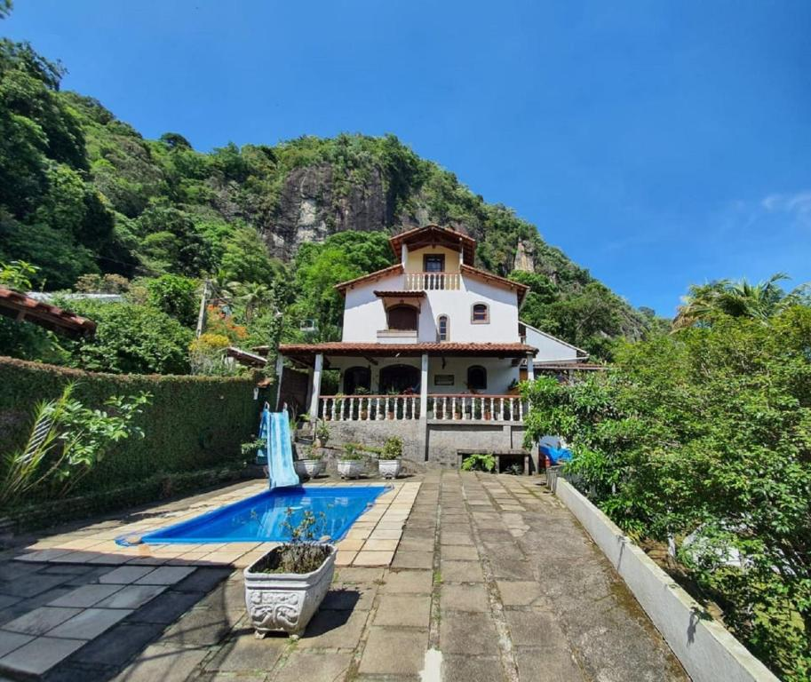 The swimming pool at or close to Pousada Spa Alto da Serra