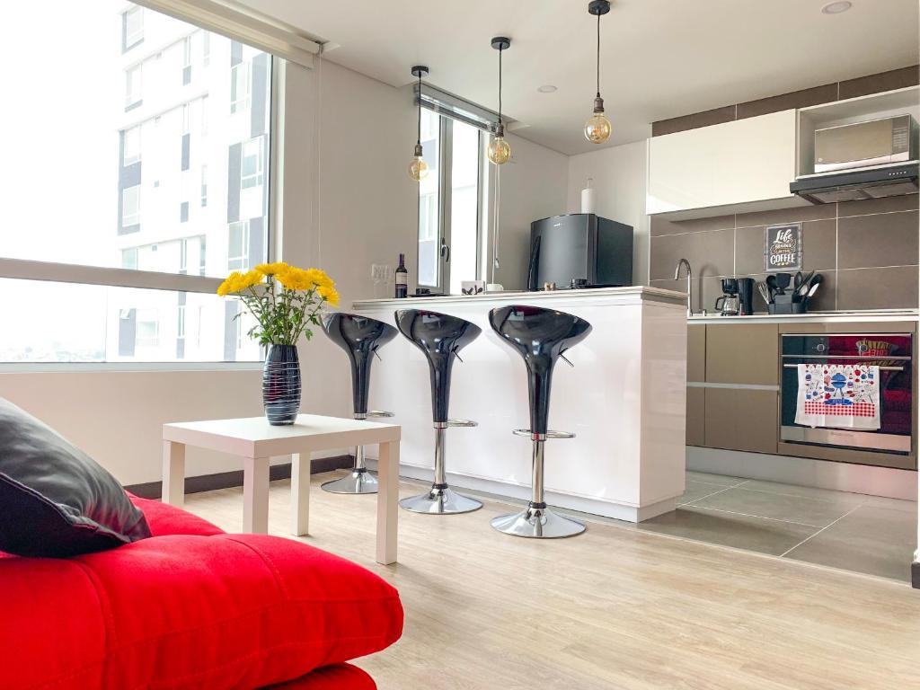 ✪ Lucky LLamas Apartment