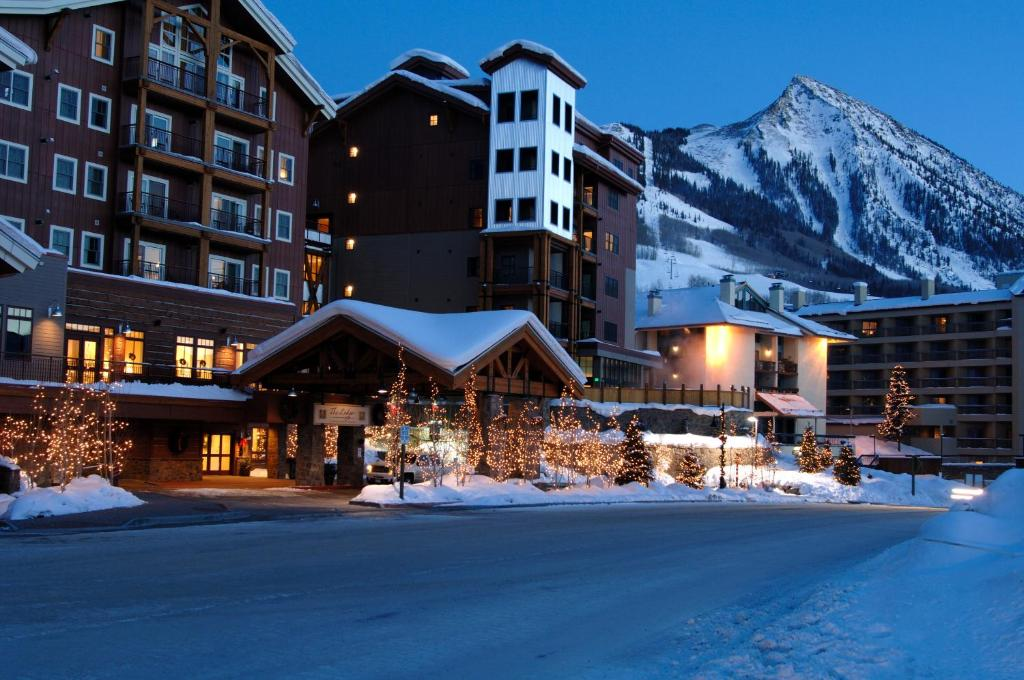 The Lodge at Mountaineer Square during the winter