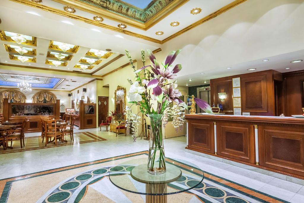 Ο χώρος του λόμπι ή της ρεσεψιόν στο ad Imperial Palace Hotel Thessaloniki
