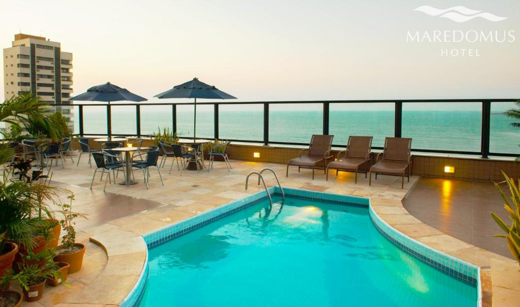 A piscina localizada em Maredomus Hotel ou nos arredores