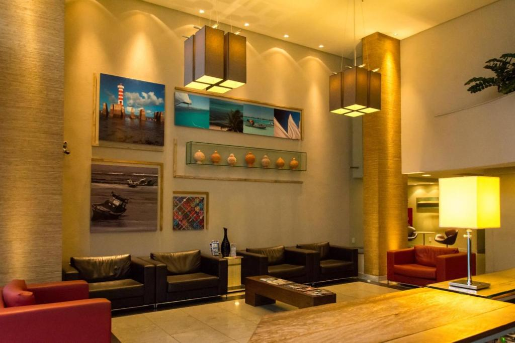 A seating area at Holiday Inn Express Maceió, an IHG Hotel