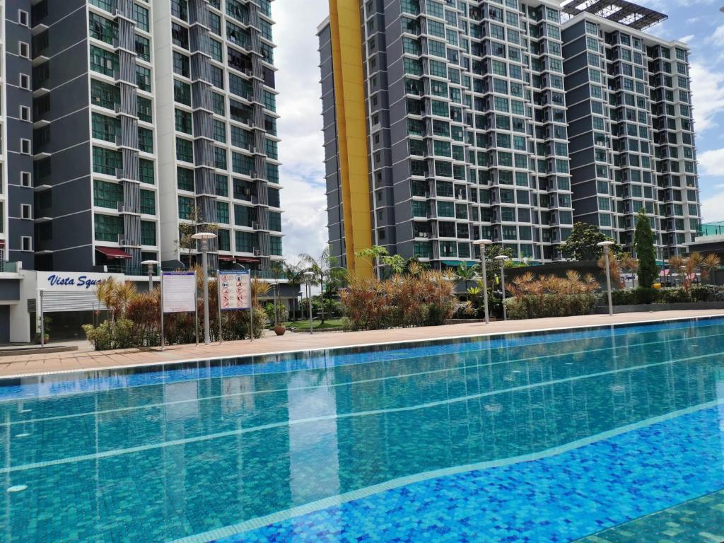 The swimming pool at or close to Vista Alam Studio Units