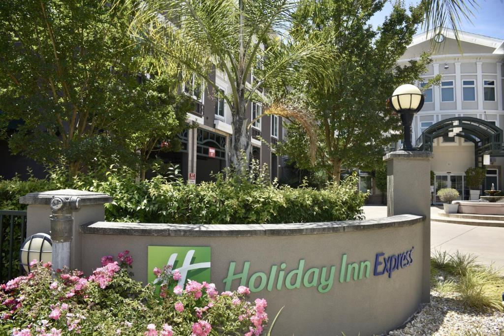 The Holiday Inn Express Windsor Sonoma Wine Country.