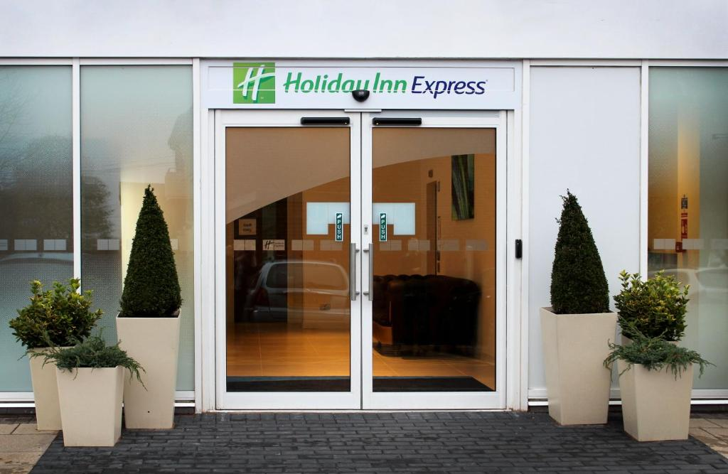 Holiday Inn Express LICHFIELD - Laterooms