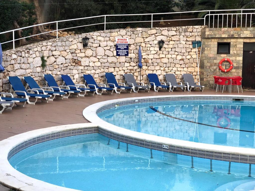 Het zwembad bij of vlak bij Squash Club Apartamentos