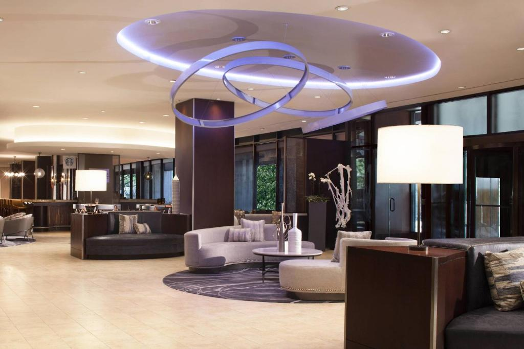 The lobby or reception area at Dallas Marriott Downtown