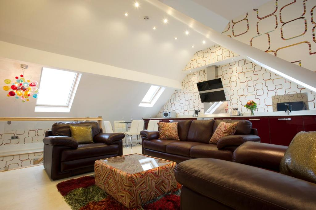 Breck Apartments - Laterooms