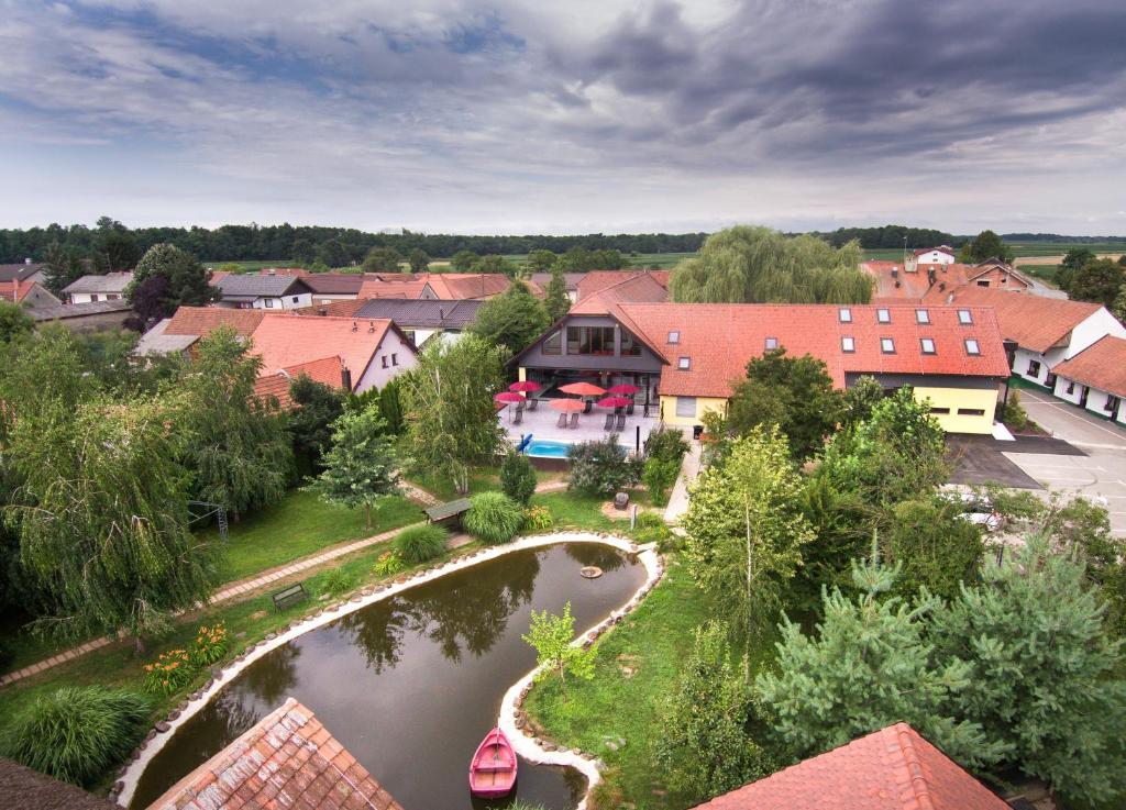 A bird's-eye view of Hotel Strk