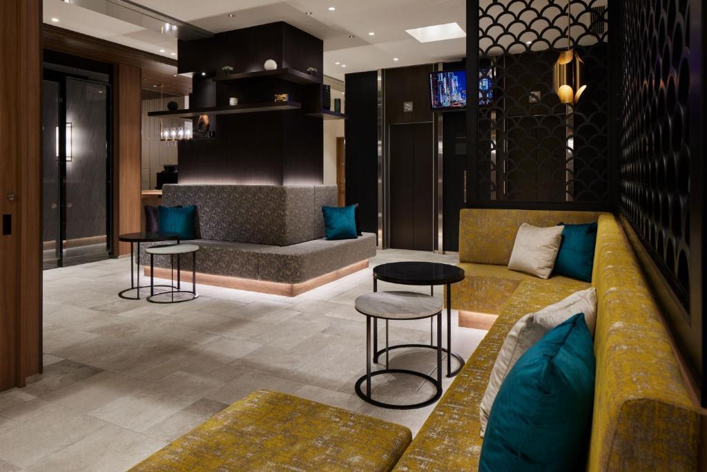 The lobby or reception area at the b akasaka-mitsuke