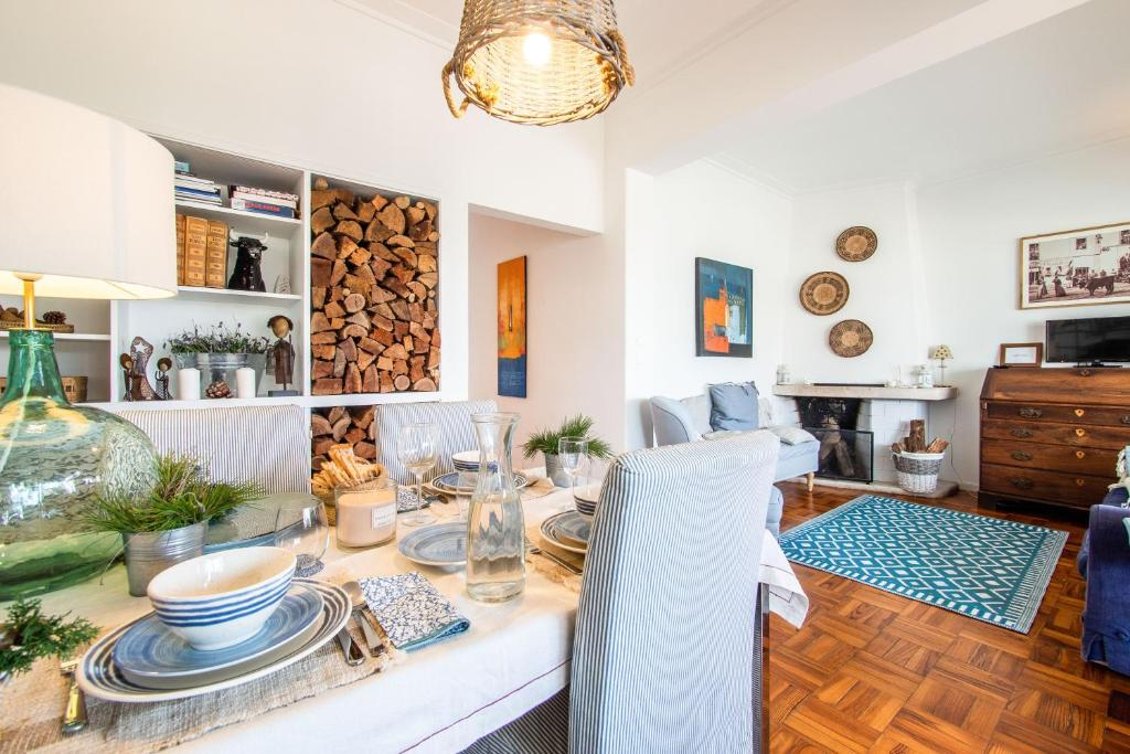 A restaurant or other place to eat at Casa de Cascais do Pipas
