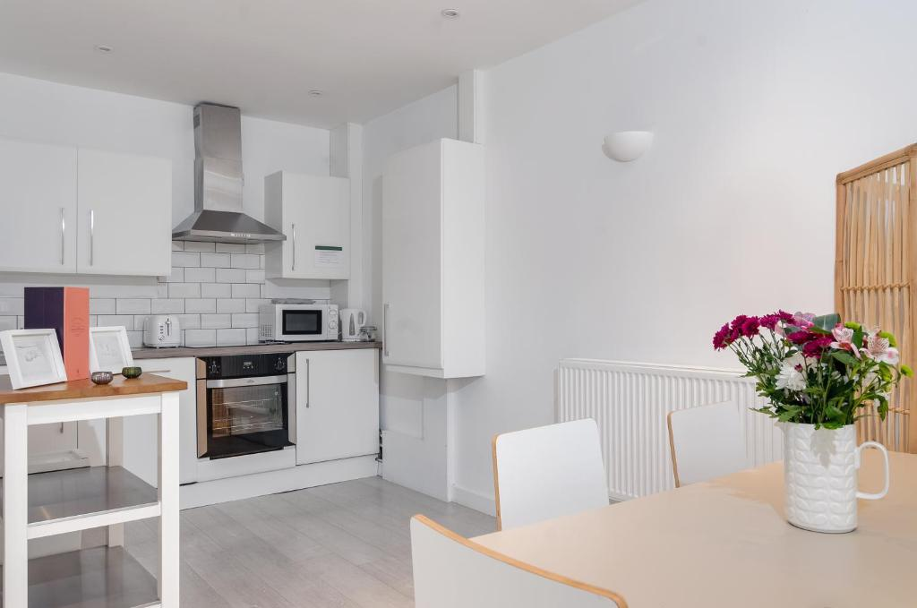 Rossendale Holiday Cottages - Laterooms