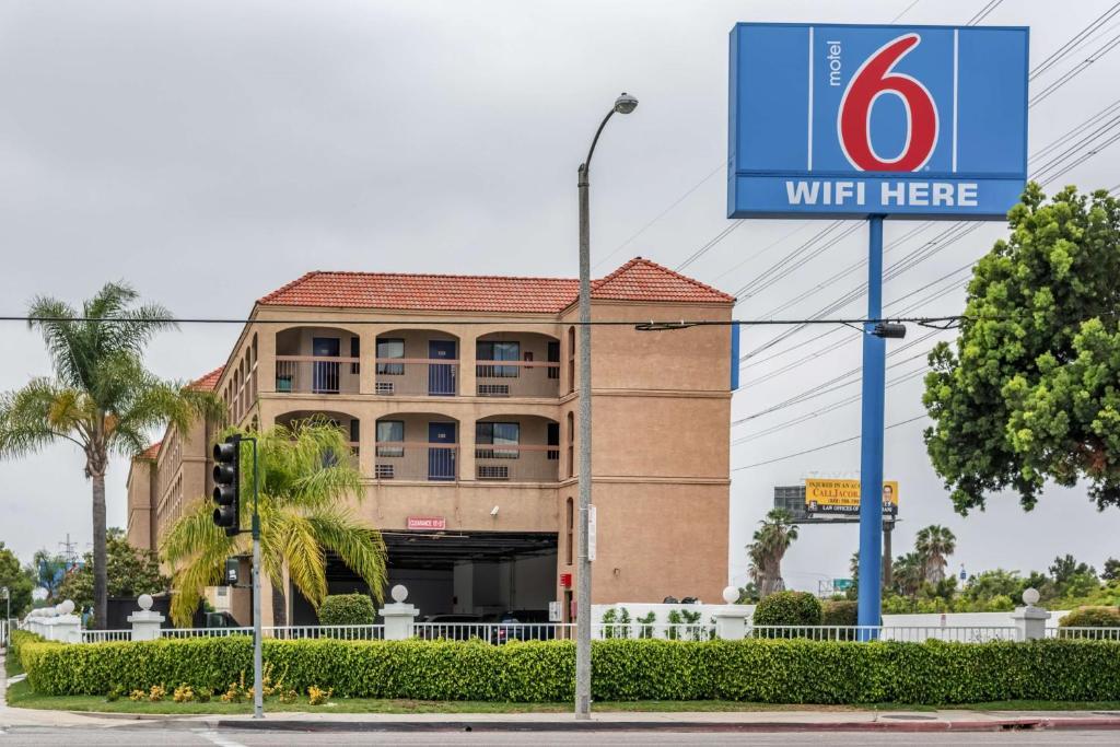 The Motel 6 Gardena CA - South.