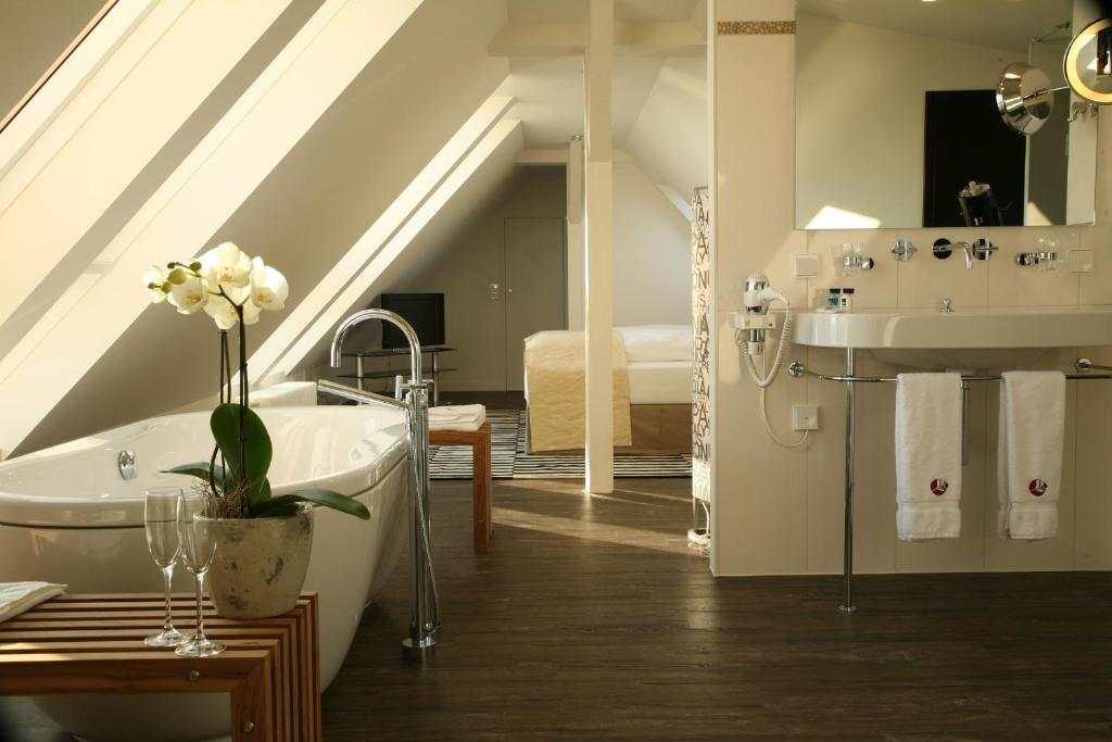 Ein Badezimmer in der Unterkunft Apart Hotel Seenelke