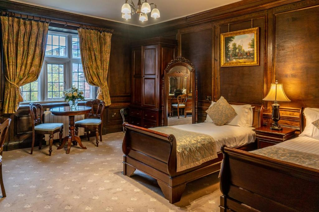 Castle Bromwich Hall Hotel - Laterooms